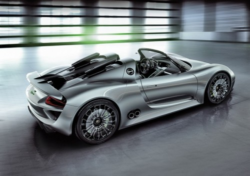 Porsche_918_hybrid_supercar_in
