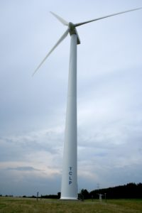 Traverse_City_wind_turbine_651515643_3a8ac41f26_o-200x300